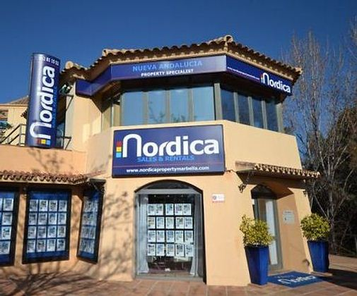 Aldea Blanca Sales Offices